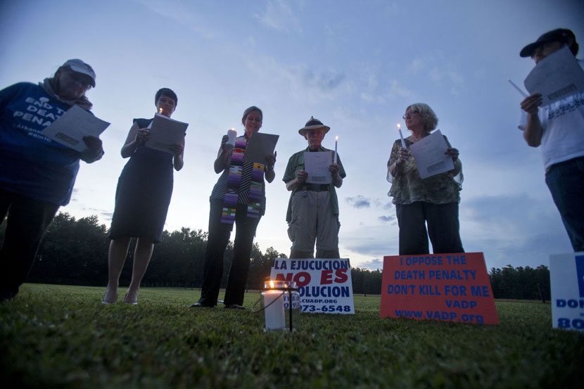 Vigil against executions in Greensville, Virginia
